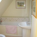The House - Double room bathroom